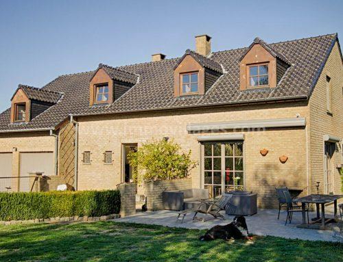 A vendre à CHAUMONT-GISTOUX : Spacieuse villa sise au calme sur près de 16 ares de terrain