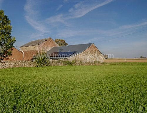 A vendre à GEMBLOUX : Authentique maison du XVIIIème siècle à parachever sur + de 3 ares de terrain