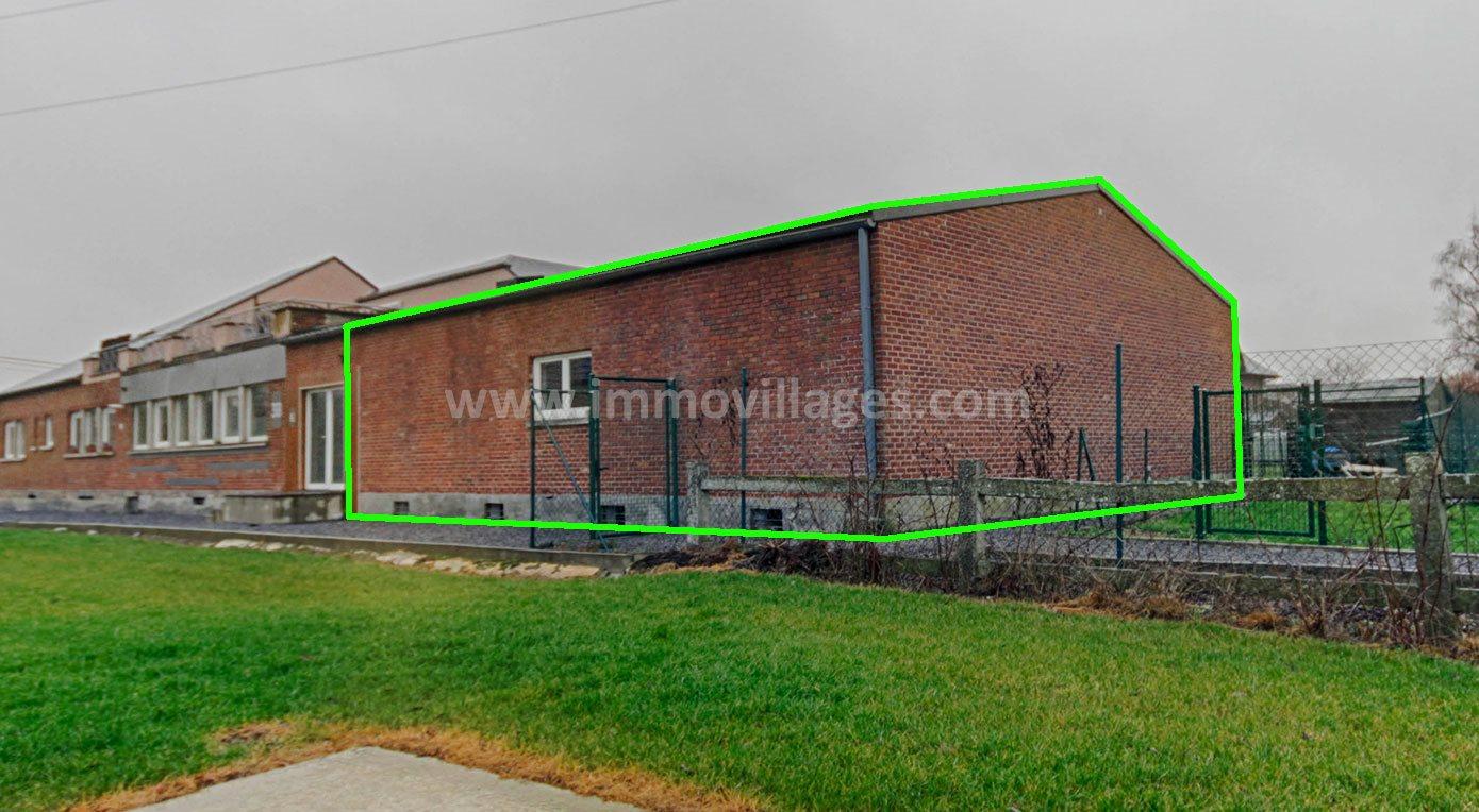 A vendre à GEMBLOUX : Excellent entrepôt situé à 6′ d Gembloux …