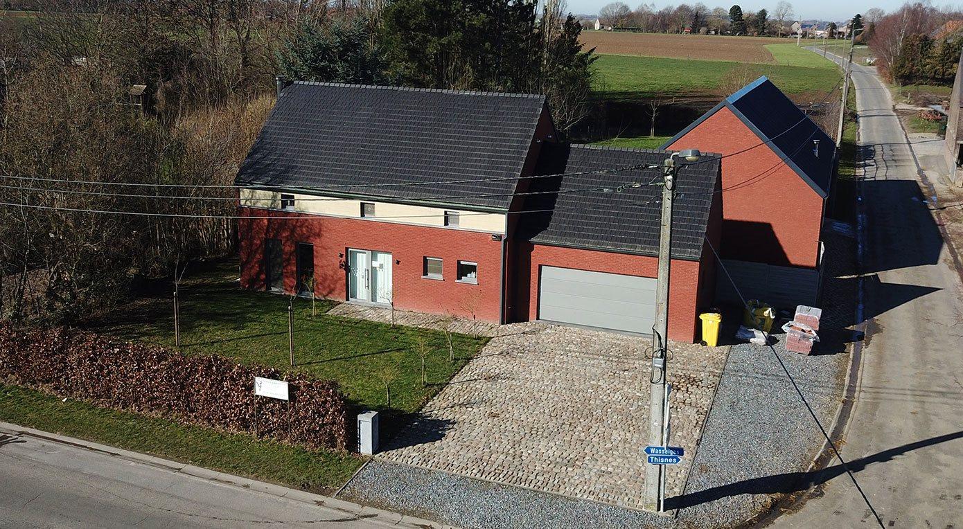 A vendre à HANNUT : Villa hyper équipée avec 4 chambres et atelier de ±163m² au sol…